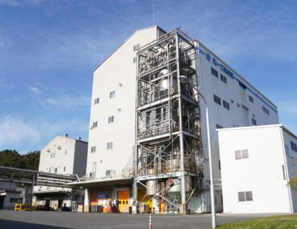 高専OGが活躍する、最新DX工場を取材!のサムネイル画像