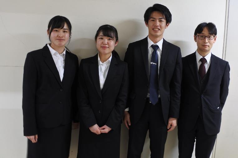 2021年3月の工藤先生の研究室メンバーとともに、集合写真。